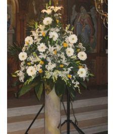 Εσωτερικός στολισμός εκκλησίας γάμου